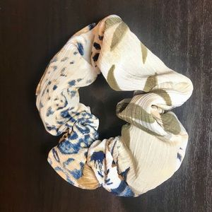 "Scrunchies by Shel ""Hawaii"""